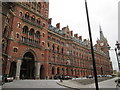 TQ3082 : St  Pancras  Station  and  Hotel by Martin Dawes
