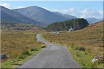 NH2532 : The Mullardoch road approaching Liatrie by Nigel Brown