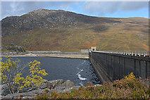NH2231 : The Mullardoch dam by Nigel Brown