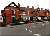 SU0061 : Commercial Road houses, Devizes by Jaggery