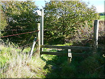 SE0125 : Stile at the top of Long Lane by Humphrey Bolton