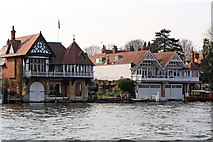 SU7682 : Waters Edge, The Moorings and Boathouse, Wharf Lane, Henley-on-Thames by Jo Turner