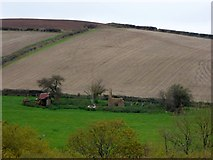 SS6808 : The ruins of Wood Farm, overlooking the valley of the Taw by David Smith