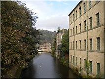 SD9927 : Rochdale Canal, Hebden Bridge (1) by Richard Vince