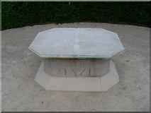 SU9185 : The Cliveden Maze by David Hillas