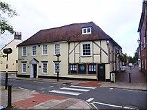 SU3521 : 1 and 3 Middlebridge Street, Romsey by David960