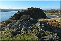NS3974 : Dumbarton Castle: White Tower Crag from the Beak by Lairich Rig