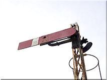 TF3243 : Somersault signal on the Boston docks branch by Alan Murray-Rust