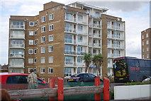 TQ7306 : St Thomas, West Parade by N Chadwick