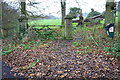 SP3127 : Footpath towards Over Norton Park from Over Norton Road by Roger Templeman