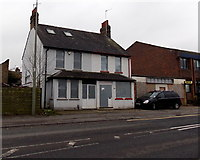 SU5290 : Derelict Station Road buildings in Didcot by Jaggery