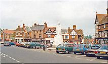 SU3987 : Wantage, Market Square 1988 by Ben Brooksbank