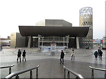 SJ8097 : The Lowry Centre, Salford Quays by John Rostron