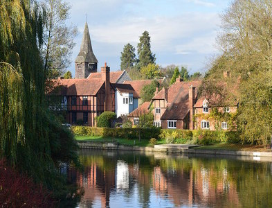 SU6376 : Whitchurch-on-Thames, Oxfordshire by Edmund Shaw