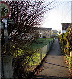 SO8005 : Public footpath from Burdett Close towards Bath Road, Stonehouse by Jaggery