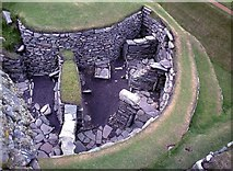 HU3909 : Jarlshof roundhouse by Alan Reid