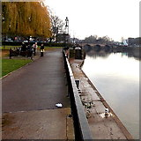 SO8454 : High level and low level riverside paths in Worcester by Jaggery
