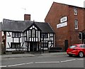 SJ2929 : Early 17th century black & white house in Oswestry by Jaggery