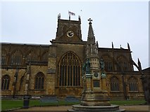 ST6316 : The Digby Memorial and Abbey, Sherborne by Becky Williamson