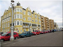 TQ2804 : Flats overlooking Hove Seafront by Paul Gillett