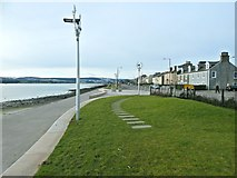 NS2982 : The West Bay Esplanade, Helensburgh by Lairich Rig