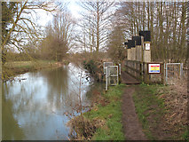 TM0855 : River Gipping and Hawks Mill By-Pass Weir by Andy Parrett
