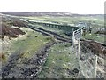 SE0028 : Gate on the Calderdale Way near Latham by Humphrey Bolton