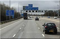 TQ5782 : M25 near South Ockendon by Martin Addison