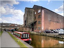 SE1437 : Leeds and Liverpool Canal, Former Canal Company Warehouse by Victoria Street Bridge (1) by David Dixon