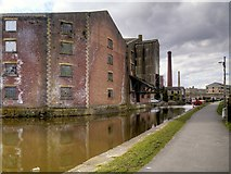 SE1437 : Leeds and Liverpool Canal, Former Canal Company Warehouse by Victoria Street Bridge (2) by David Dixon