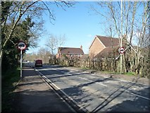 SP4641 : No HGVs on Middleton Road, Grimsbury by Christine Johnstone