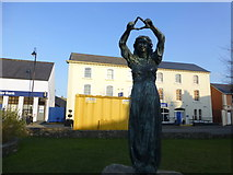 C2502 : Mother Earth sculpture, Raphoe by Kenneth  Allen
