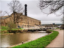 SE1039 : Leeds and Liverpool Canal, Bridge#199 and Bowling Green Mill by David Dixon