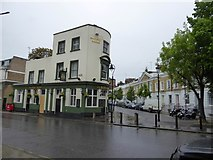 TQ3179 : The Albert Arms, Garden Row, SE1 by David Smith