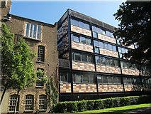 TQ3379 : 4 Newhams Row, Bermondsey (rear) by Stephen Craven