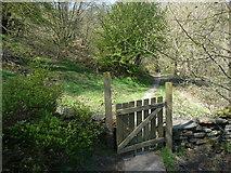 SE0722 : Gate on Elland FP2, Greetland by Humphrey Bolton