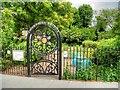 TQ3083 : Thornhill Bridge Community Gardens, Caledonian Road by David Dixon