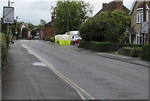 SU3521 : Zone ends signs, Alma Road, Romsey by Jaggery