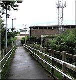 SU3521 : Romsey railway station access footpath by Jaggery