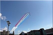 SJ3390 : Red Arrows flypast, Liverpool by El Pollock