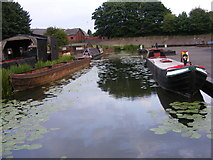 SO9491 : Black Country Canal by Gordon Griffiths