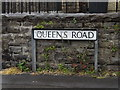 SS7297 : Queens Road sign by Adrian Cable