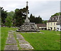 SO5509 : Restored medieval cross in Newland churchyard by Jaggery