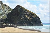 SW8469 : Bedruthan Step: Carnewas Island and Carnewas Point by Edmund Shaw