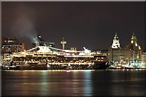 SJ3390 : Mein Schiff 1 and the Liver Building, Liverpool by El Pollock