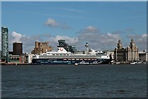 SJ3390 : Mein Schiff 1, Liverpool Cruise Terminal by El Pollock