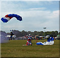 SU0598 : Happy landings - Gloucestershire Vintage & Country Extravaganza by Chris Allen