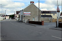 SN1916 : STOP when lights show sign, Station Road, Whitland by Jaggery