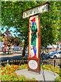 TF8109 : Swaffham Town Sign, Ye Pedlar of Swaffham by David Dixon