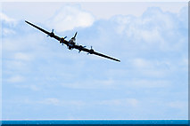 SZ1090 : Bournemouth Air Festival 2015 - approaching B-17 Flying Fortress by Mike Searle
